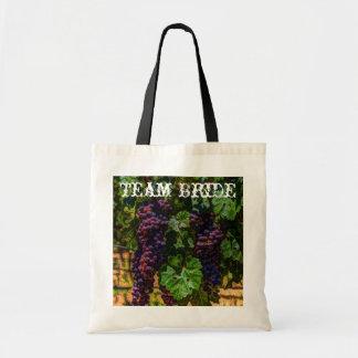 Beautiful Elegant Grapes on The Vine Tote Bag