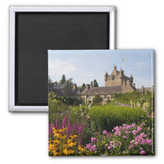 Beautiful gardens and famous castle in 2 inch square magnet