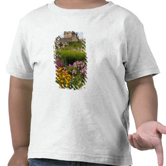 Beautiful gardens and famous castle in Scotland T Shirts