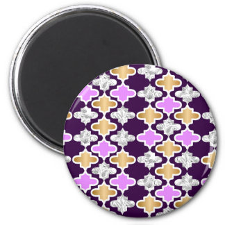 Beautiful girly pattern with gold and purple magnet