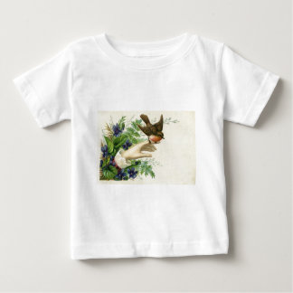 Beautiful hand with a bird and flowers playera