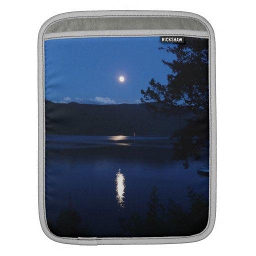 Beautiful Moon Rise Reflecting off Lake Water iPad Sleeve