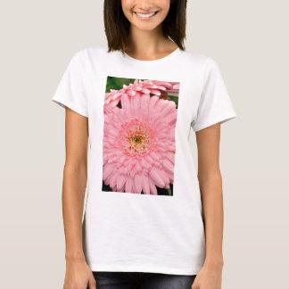 Beautiful pink zinnia flower T-Shirt