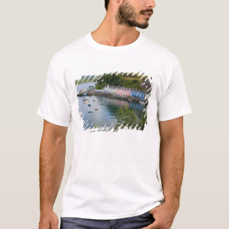 Beautiful port and sailboats with reflections in 2 T-Shirt