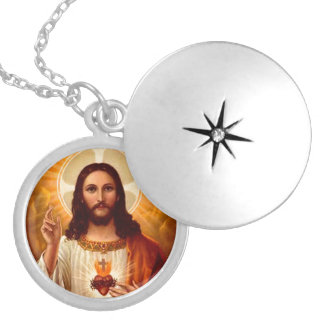 Beautiful religious Sacred Heart of Jesus image Silver Plated Necklace