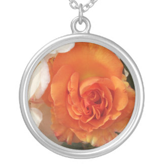 Beautiful Rose Round Pendant Necklace