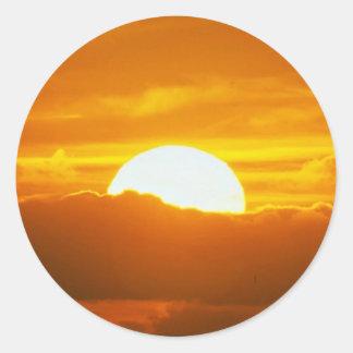 Beautiful Sunset: Moorea, outer reef pass, Tahiti Classic Round Sticker
