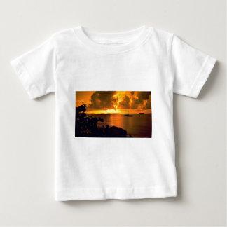 Beautiful Sunset: Sebastian's, Virgin Gorda, Briti Tshirts