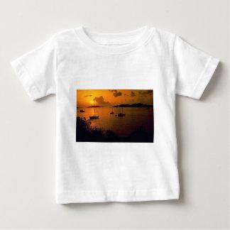 Beautiful Sunset: Virgin Gorda, British Virgin Isl T-shirts