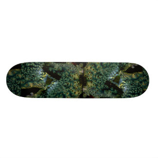 Beautiful The siphon and mantle of a Tridacna clam Skateboards
