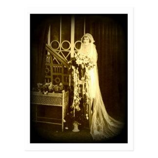 Beautiful Vintage Bride Post Card