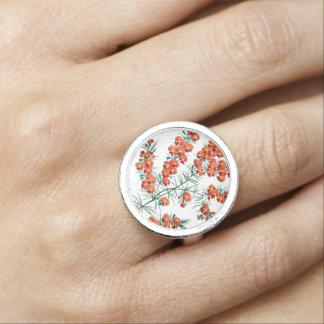 Beautiful vintage flower ring