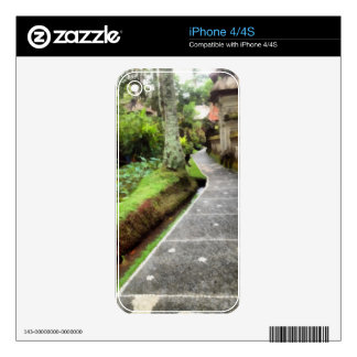 Beautiful walking path decal for the iPhone 4