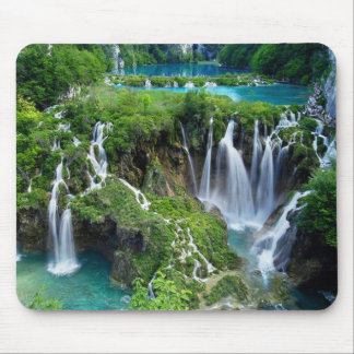 Beautiful water falls mouse pad
