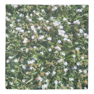 Beautiful White Wildflowers on Grass Nature Print Duvet Cover