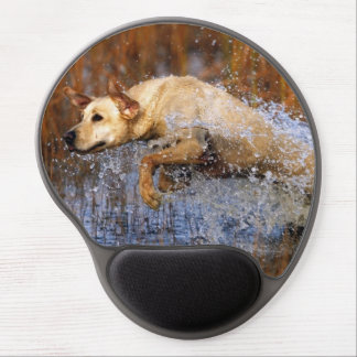 Beautiful Yellow Lab Retrieving the Hunt Gel Mouse Pad