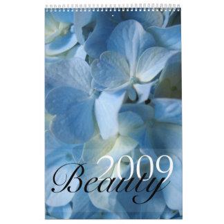 Beauty 2017 Desktop Calendar