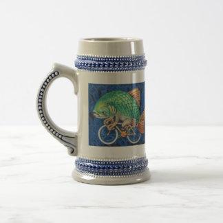 Beba como un pescado (o inconformista) en una bici jarra de cerveza