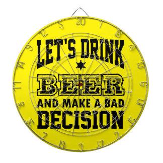 Bebamos la cerveza tablero dardos