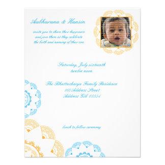 Bebé azul y amarillo de Namkaran que nombra invita Anuncios Personalizados