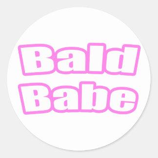Bebé calvo (rosa) etiquetas redondas