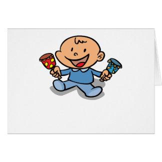 Bebé con traqueteos tarjeta de felicitación