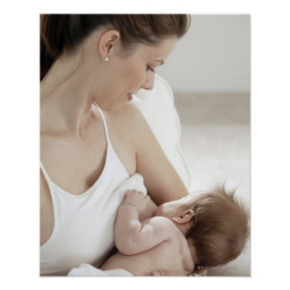 Bebé de amamantamiento 2 de la madre póster