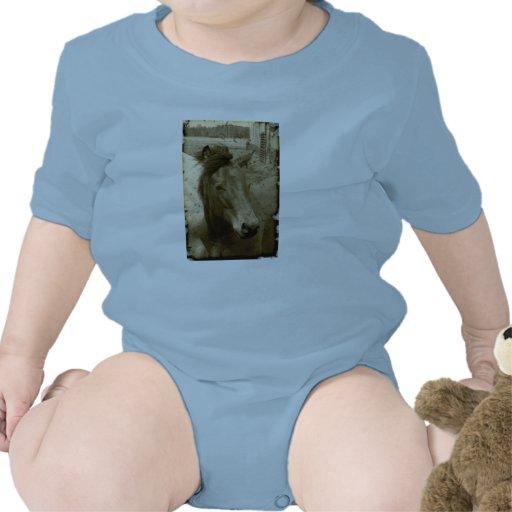 Bebé de antaño de la fotografía del caballo de la  camisetas