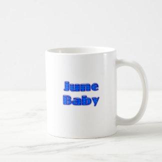 Bebé de junio taza