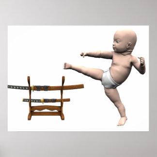 Bebé de Kung Fu con el soporte de Katana Posters