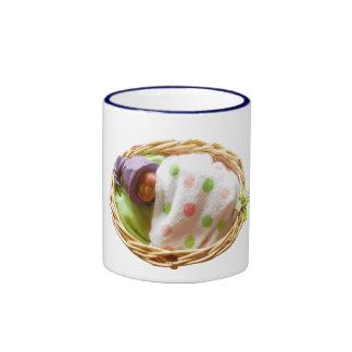 Bebé de la arcilla del polímero en cesta: Gorra Taza De Dos Colores