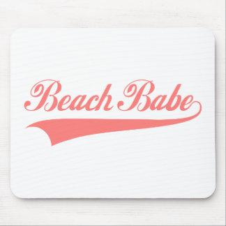 Bebé de la playa mousepads