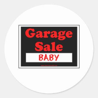 Bebé de la venta de garaje pegatina redonda