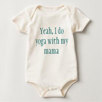 Bebé de la yoga mameluco