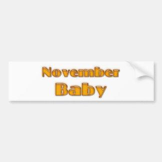 Bebé de noviembre pegatina de parachoque