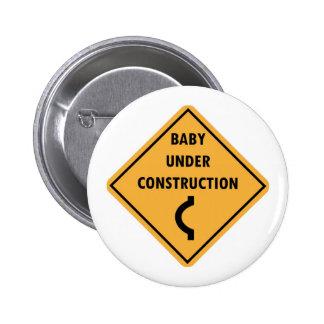 Bebé debajo del botón de la construcción pin redondo de 2 pulgadas
