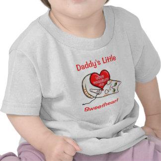 Bebé del gato de la tarjeta del día de San Valentí Camisetas