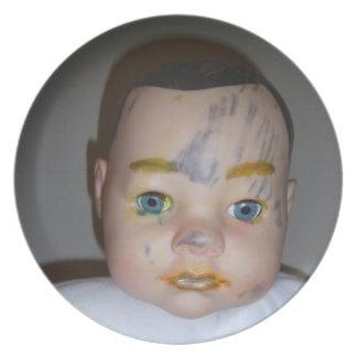 Bebé del maquillaje plato de comida