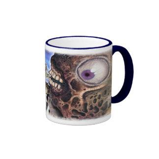 Bebé del mutante con la vaca del juguete de la fel tazas de café