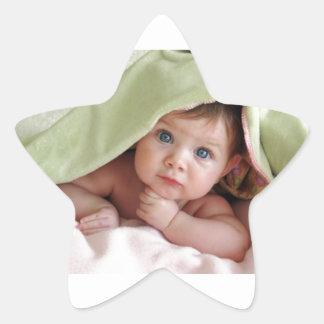 Bebé del peekaboo pegatina en forma de estrella