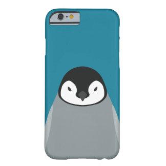 Bebé del pingüino de emperador - caso del iPhone Funda Para iPhone 6 Barely There