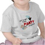 Bebé divertido que dice, FIESTA COMENZADO Camisetas