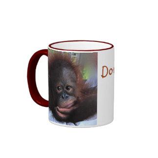 Bebé dulce de la fauna del orangután taza de dos colores