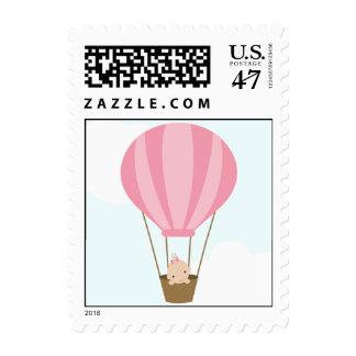 Bebé en fiesta de bienvenida al bebé del globo sello postal