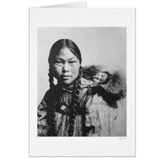 Bebé en la parte posterior 1906 de la mamá tarjeta de felicitación