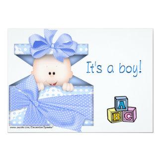 """Bebé en un regalo caja-azul invitación 5"""" x 7"""""""