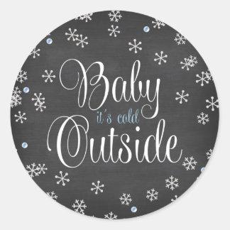 Bebé es fiesta de bienvenida al bebé azul de los pegatina redonda