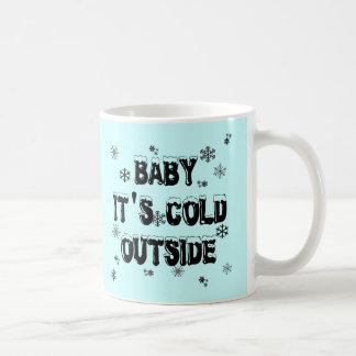 Bebé es mercancía fría del exterior tazas