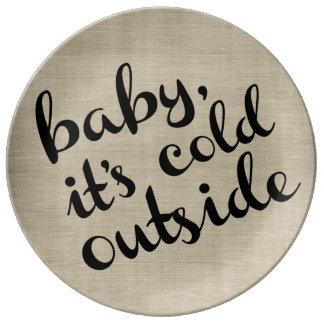 Bebé es placa exterior fría del invierno de la plato de cerámica