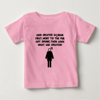 Bebé feminista divertido playera de bebé